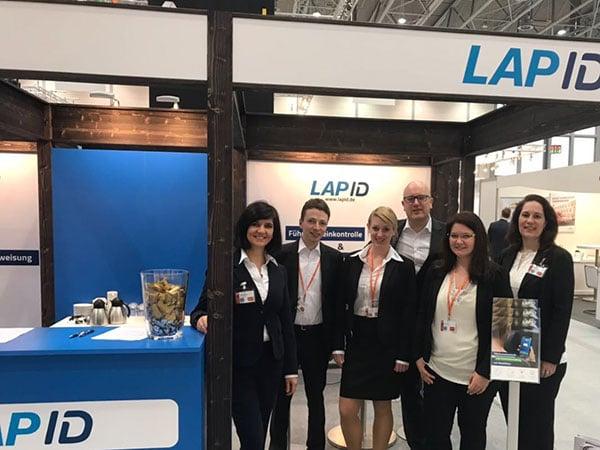 LapID-Team-Messestand-Flotte
