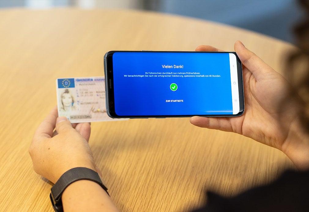 Führerscheinkontrolle LapID Driver App Smartphone