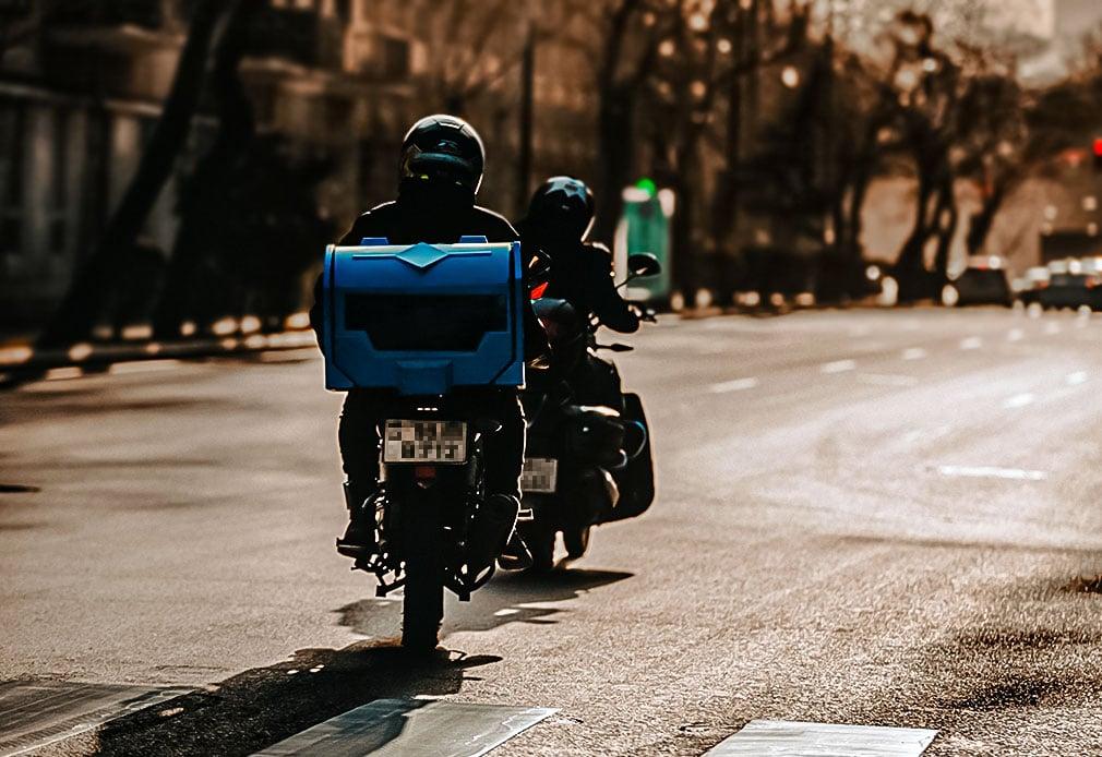 Fahrerunterweisung bei Motorradfahrern, (E-) Rollerfahrern & Co.