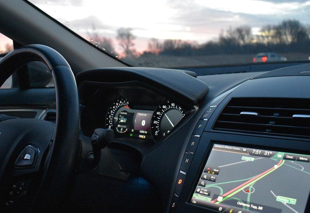 DeDeNet: Telematiklösungen im Fahrzeug